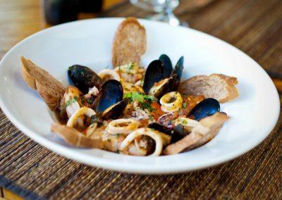 caicos cafe bar grill seafood mediteranean