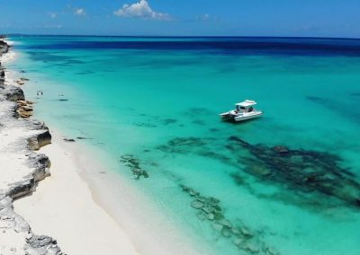 caicos catalyst boat charter